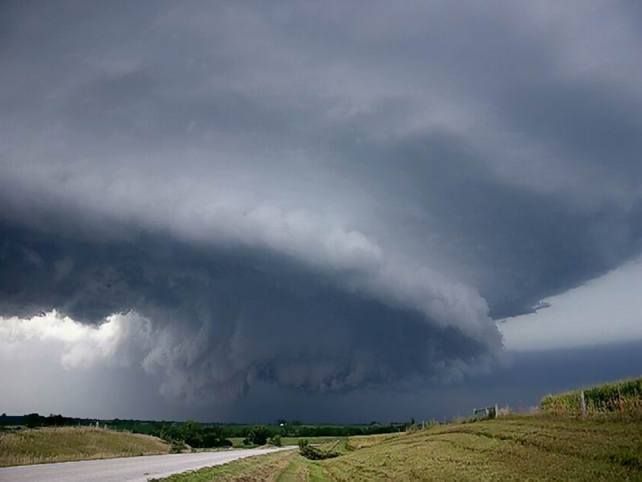 Stormy Weather   Weather Wallpaper Image featuring Tornadoes 1280x960