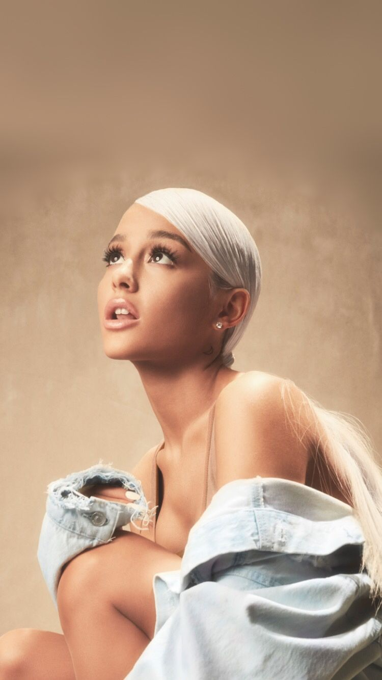 Ariana Grande Phone Wallpaper Ariana Grande in 2019 Ariana 750x1334