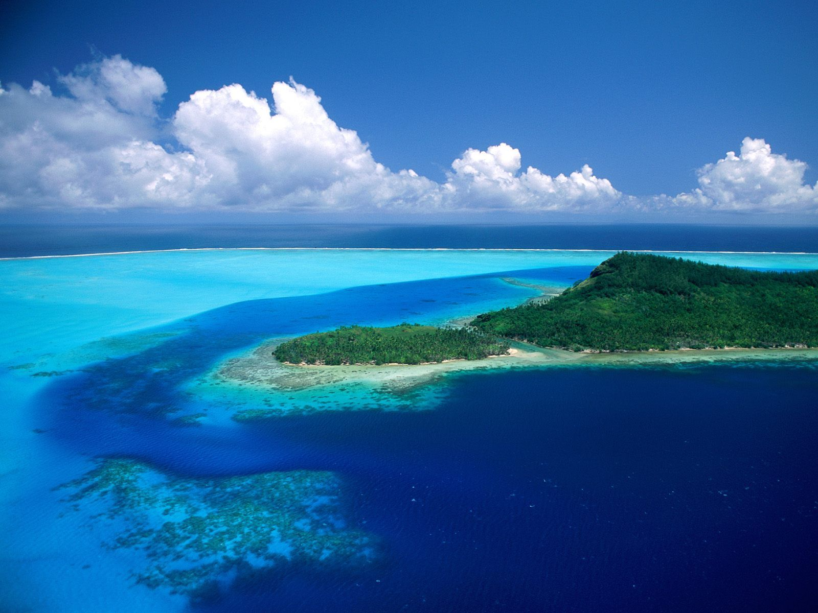 1600x1200 Pacific Island desktop PC and Mac wallpaper 1600x1200