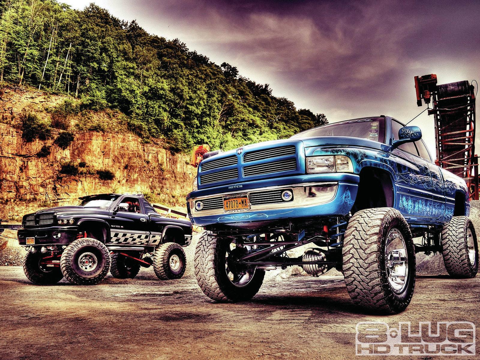Video Description Lifted diesel dodge ram truck over heats doing a 1600x1200