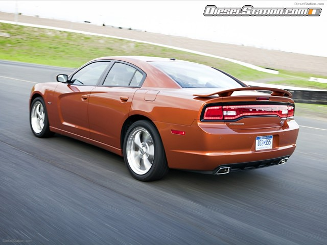 Home Dodge Dodge Charger RT AWD 2012 640x480