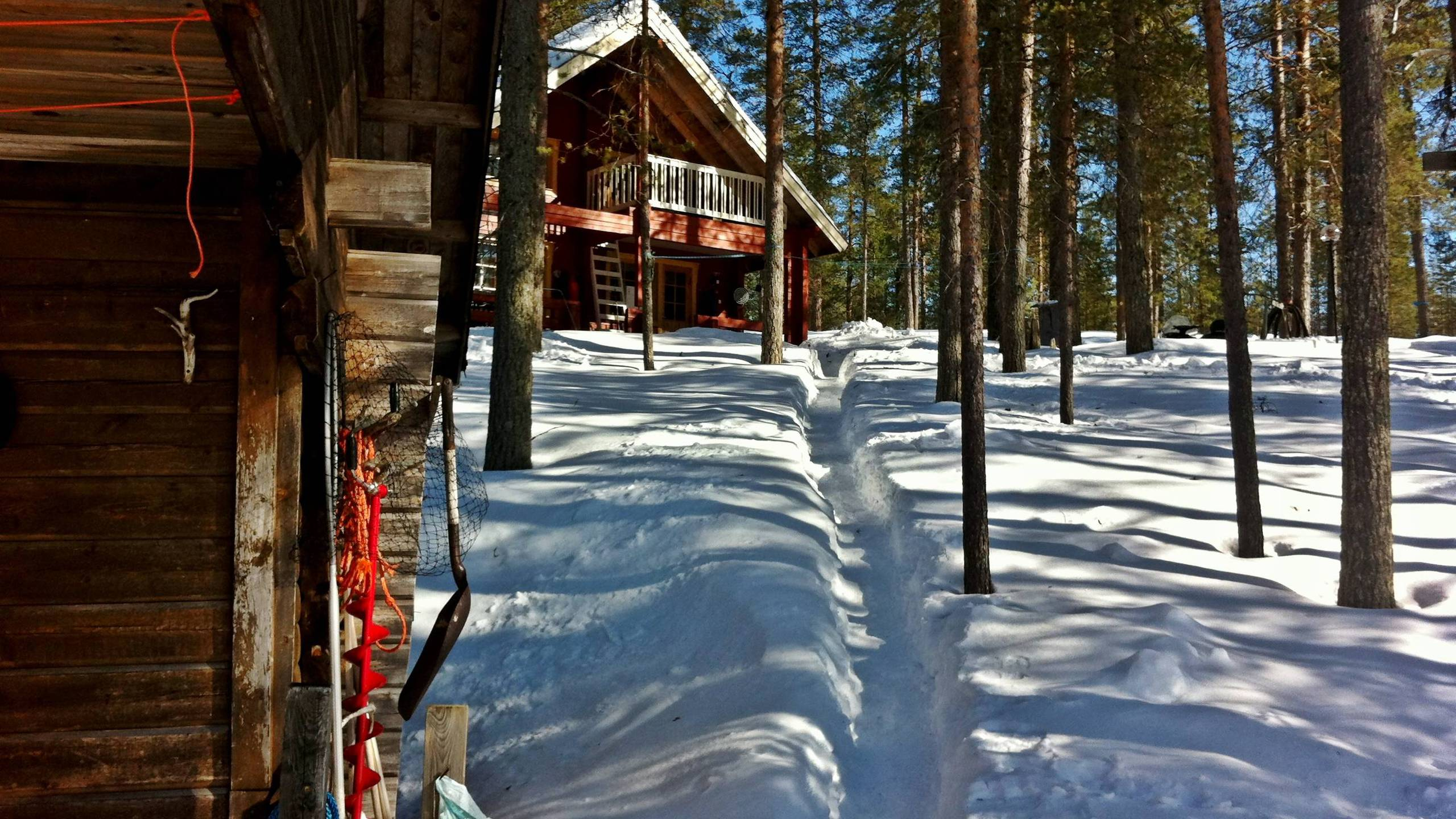 BOTPOST [BOT] Frozen Finnish Cabin iimgurcom 2560x1440