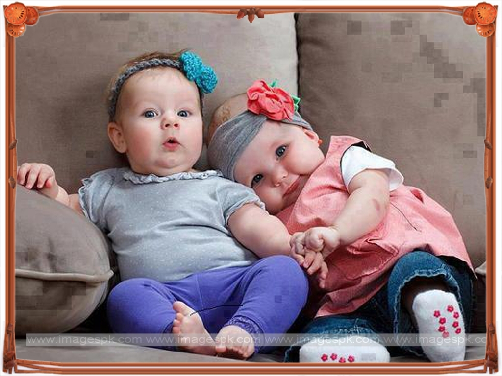 Twin Baby Wallpaper 1024x768