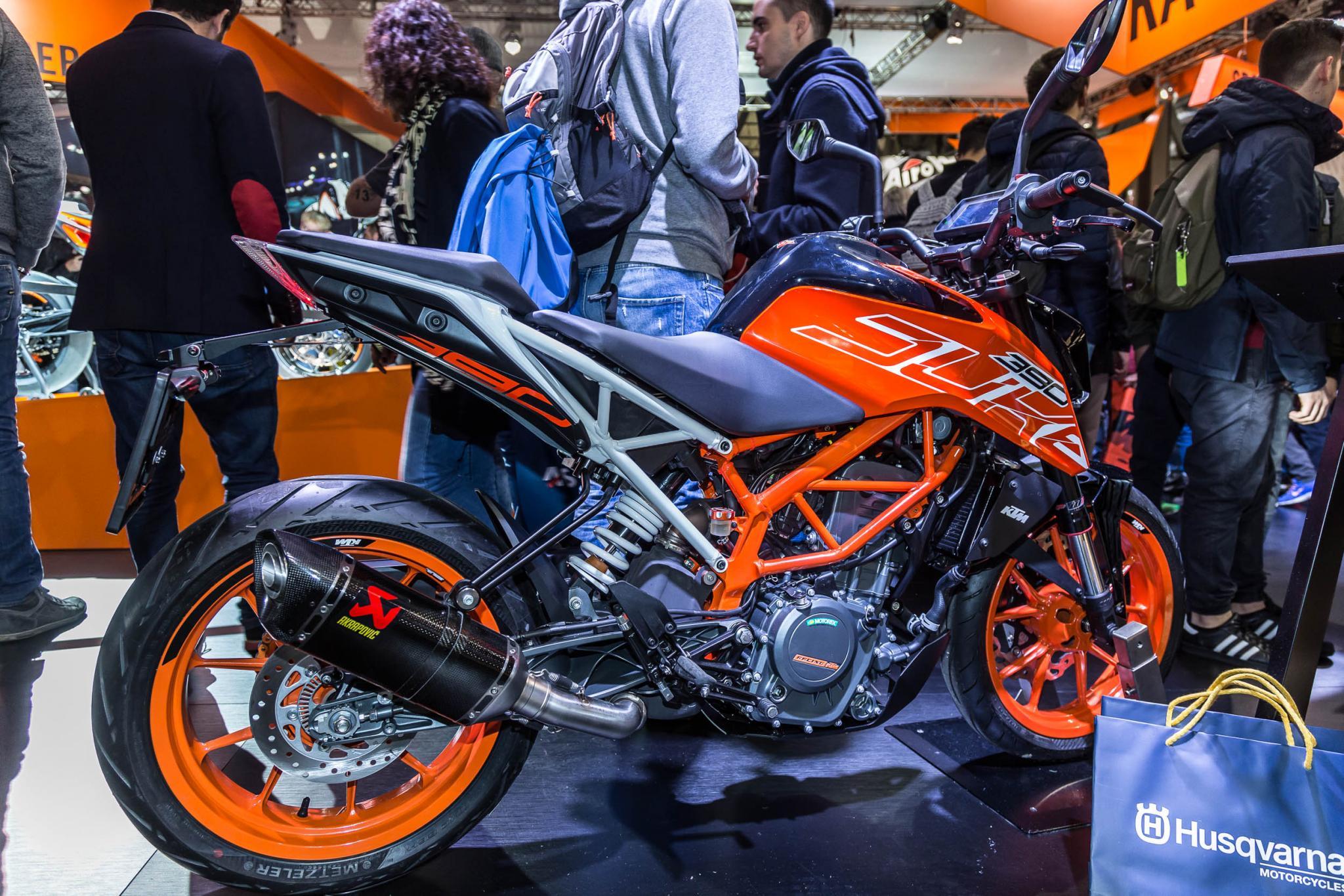 KTM 390 Duke 2017 Motorrad Fotos Motorrad Bilder 2048x1366