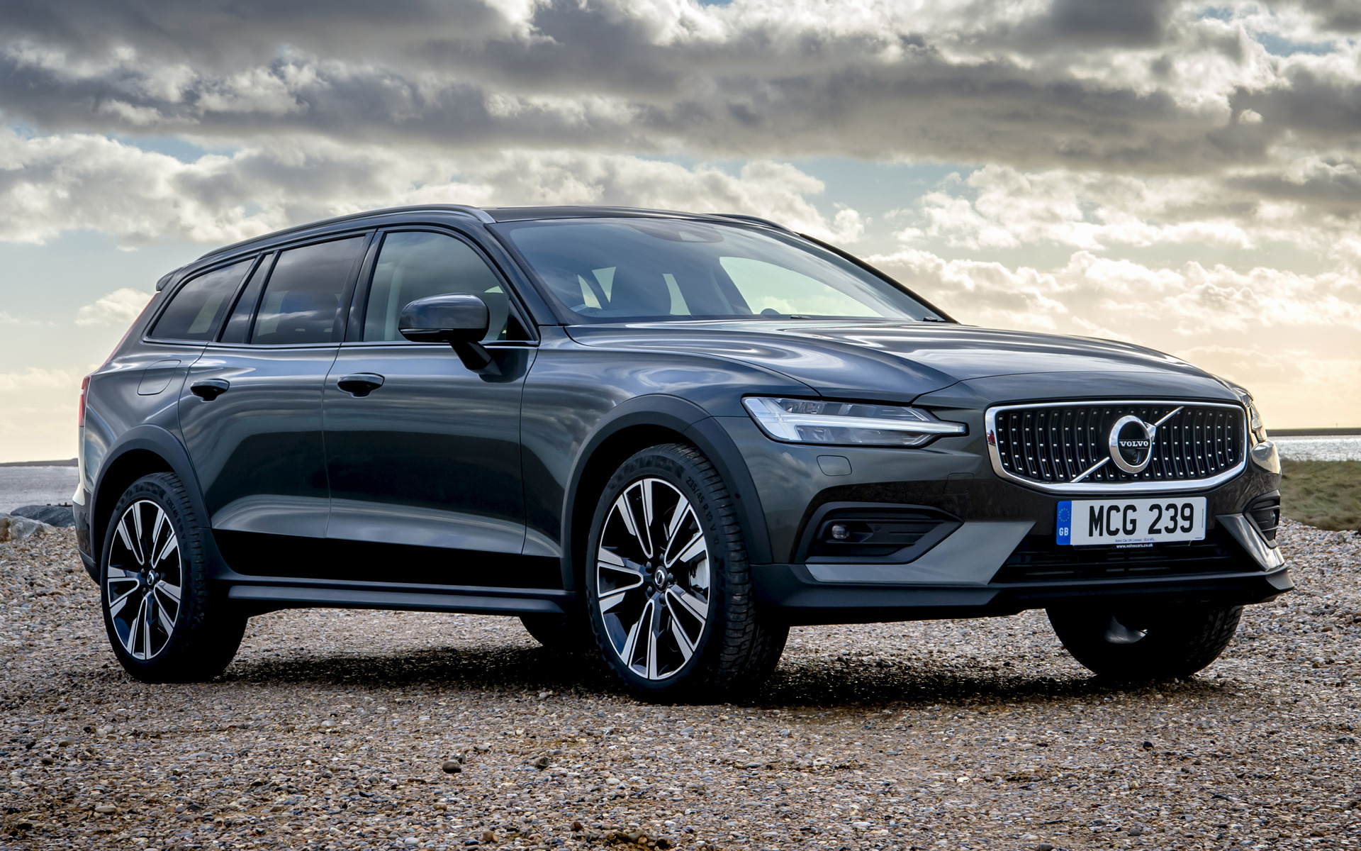 2019 Volvo V60 Cross Country UK   Wallpapers and HD Images Car 1920x1200