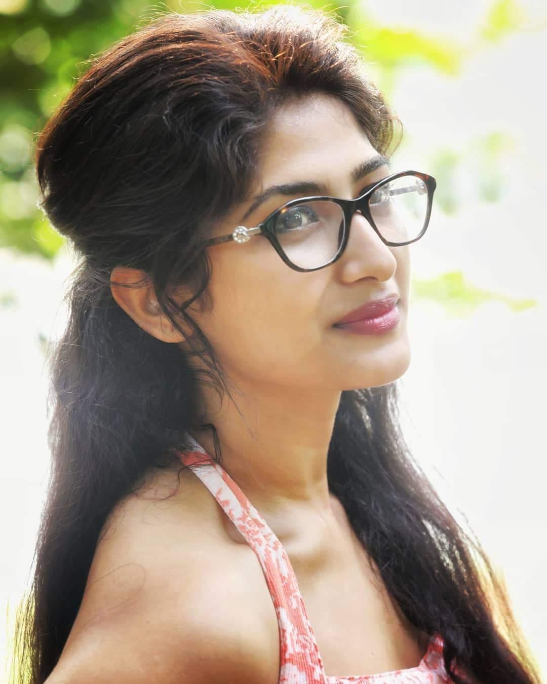 Pics Bucket Actress Roshini Prakash Latest HD Photos and wallpapers 1080x1350