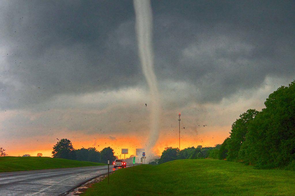 tornado pictures Shawnee Oklahoma Tornado HD Wallpaper   The 1024x683