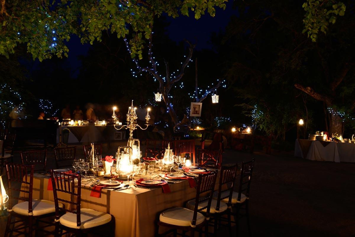 Themed Bush Dinners Dine Under the African Night Sky Sabi Sabi 1200x801