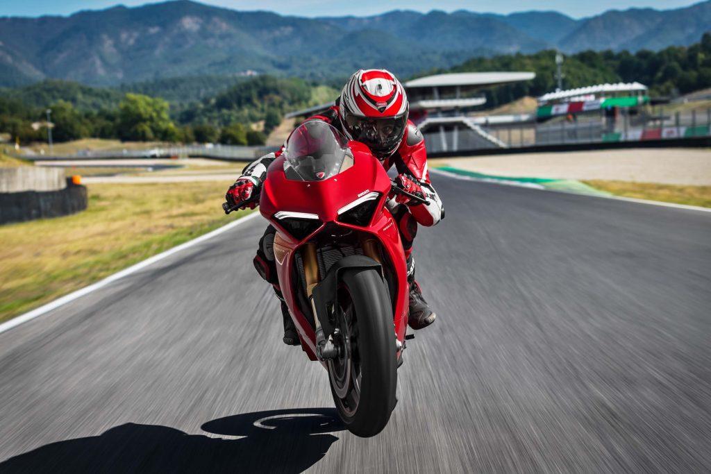 Ducati Panigale V4 S 2018 4k Wallpaper 1024x683