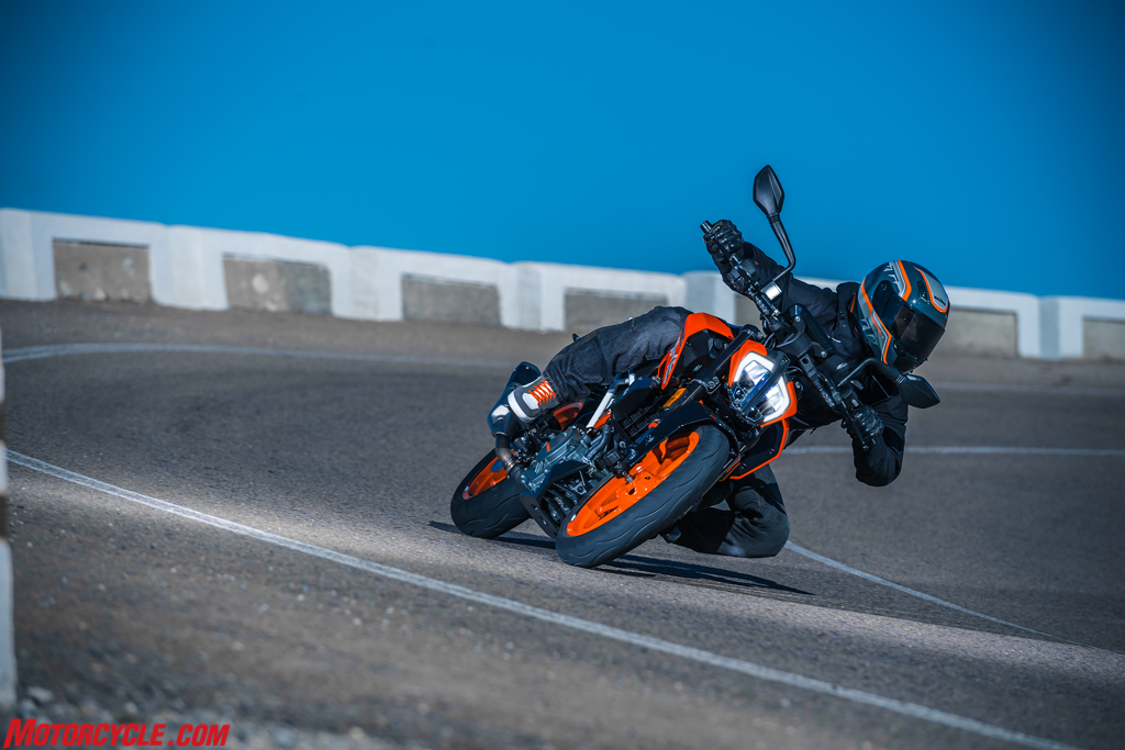 2017 KTM 390 DUKE   Motorcyclecom 1024x683