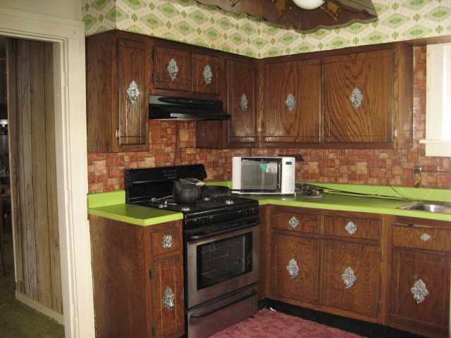 wallpaper kitchen cabinets and old kitchen cabinets 640x480