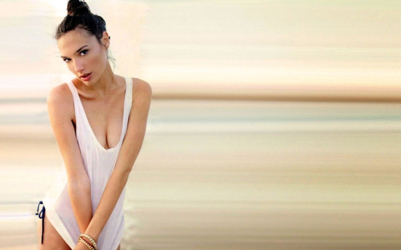 Wallpaper and Images Gal Gadot HD Wallpapers 1600x1000