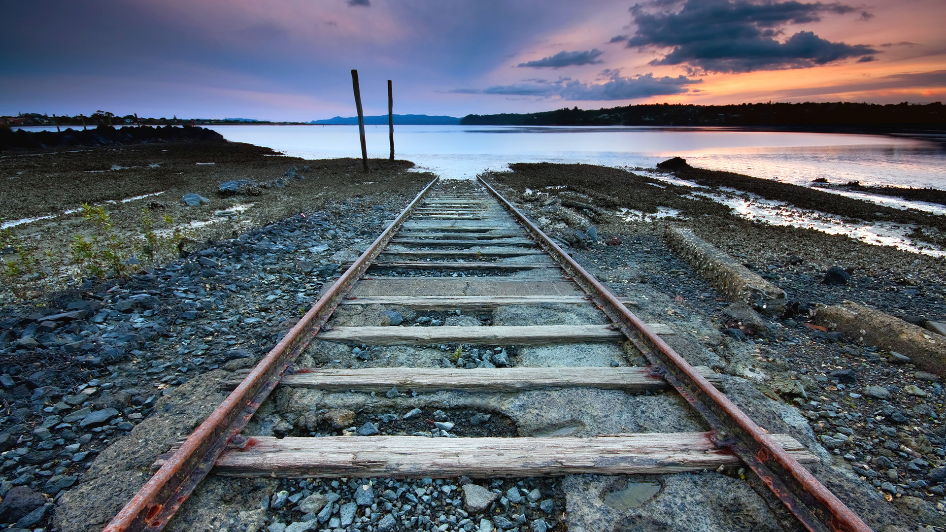 Water Tracks Train High Resolution wallpapers HD   114512 1920x1080