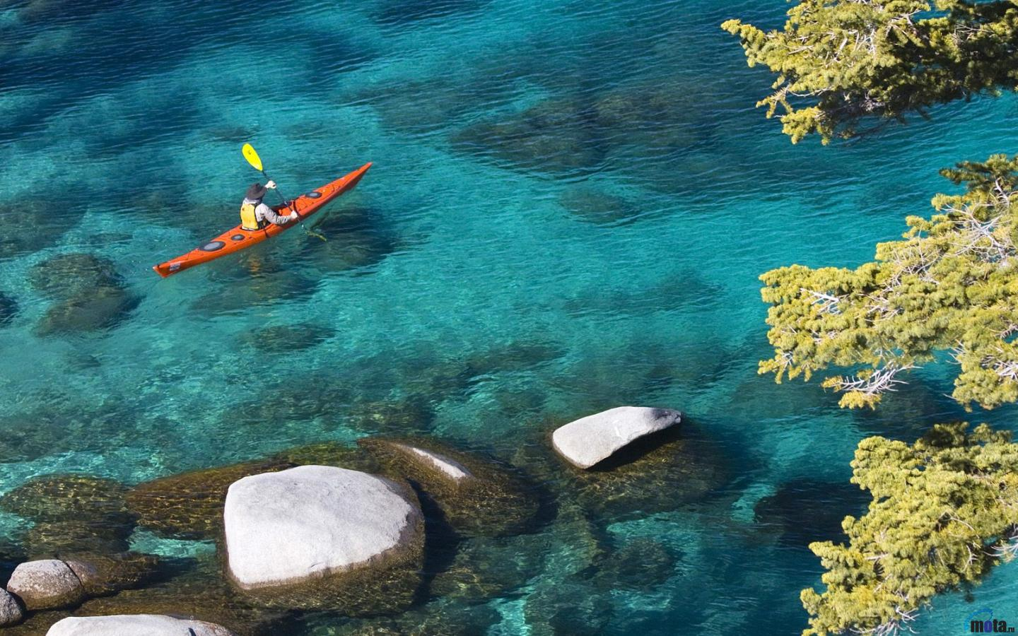 Download Wallpaper Kayaking at Lake Tahoe Nevada 1440 x 900 1440x900