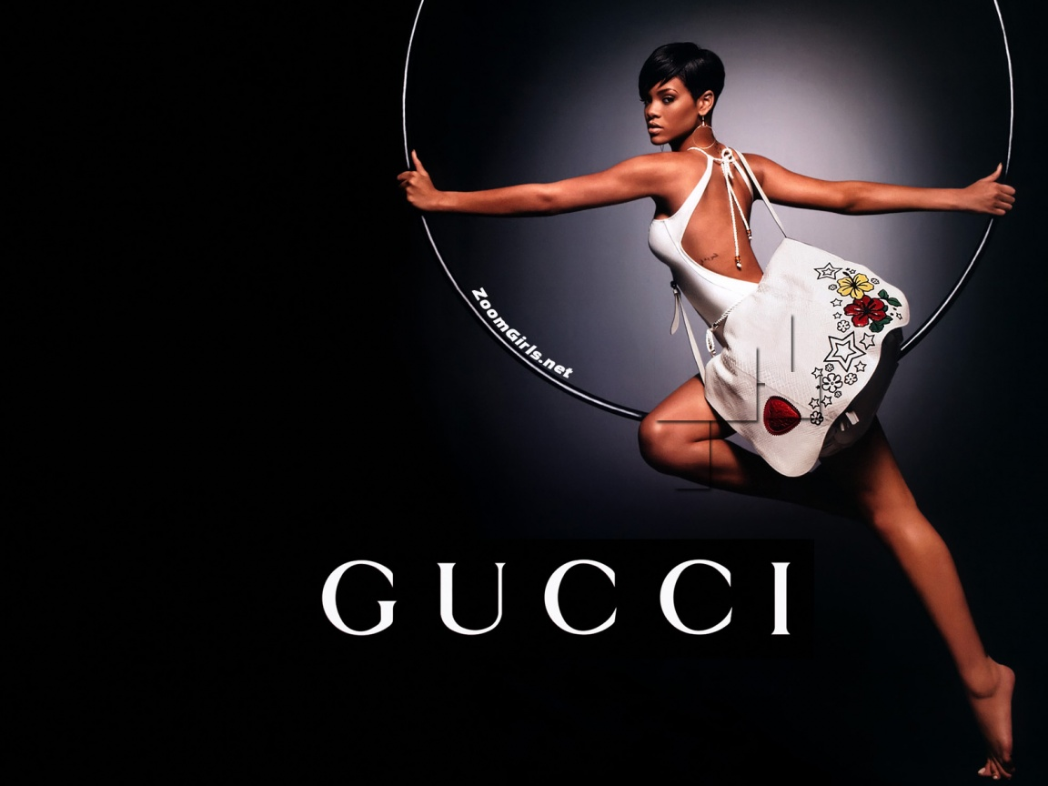 Rihanna Gucci Wall 1152x864 nude sexy hd and wide wallpapers 1152x864