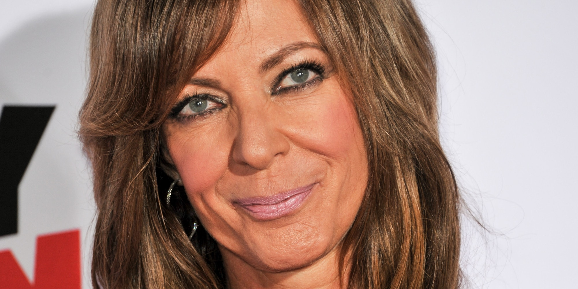 Allison Janney HD Desktop Wallpapers 7wallpapersnet 2000x1000