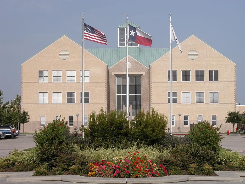 UHV Center Building Wallpaper Flags 1024x768