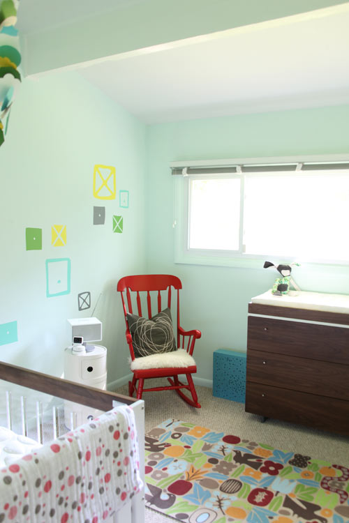 The minty wall paint is called Embellished Blue by Sherwin Williams 500x750