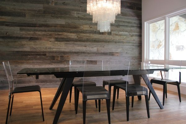 Reclaimed Wood   Gray Barn Wood Feature Wall Yelp 600x400