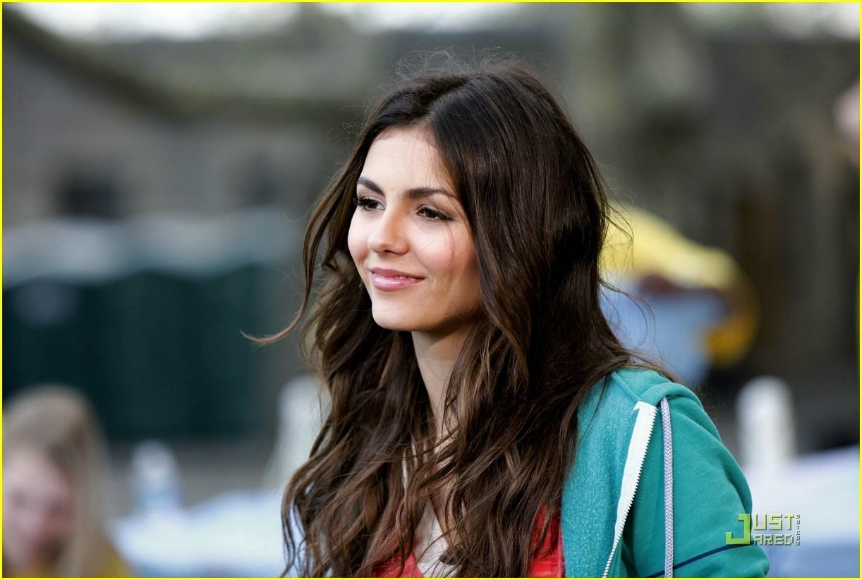 Wallpapers Backgrounds   Victoria Justice 1222x823