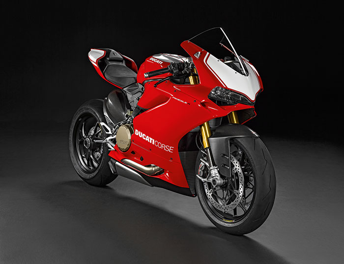 2016 Ducati 1198 Panigale R Review 700x537