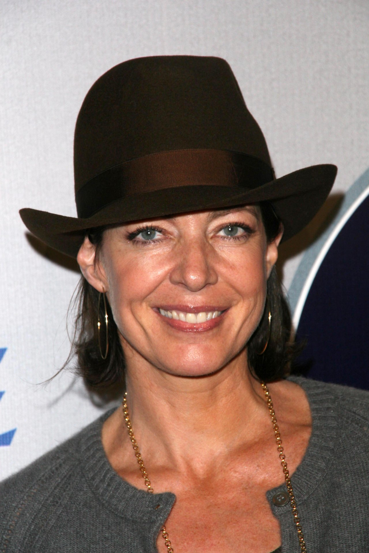 Allison Janney wallpapers 1164 Best Allison Janney pictures 1280x1920