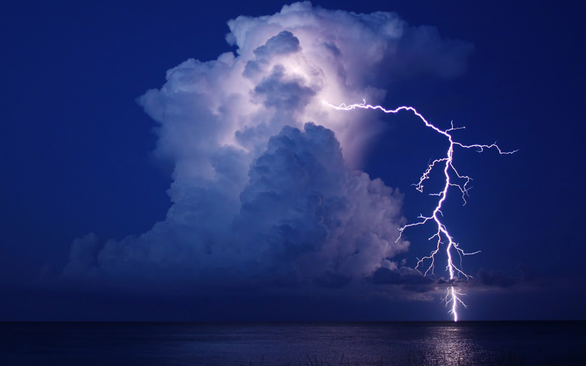 lightning cloud night water storm reflection sea ocean f wallpaper 1920x1200