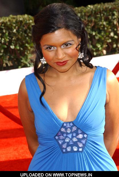 Mindy Kaling Wallpaper Hot Stars Photo Set Absurdly 417x621