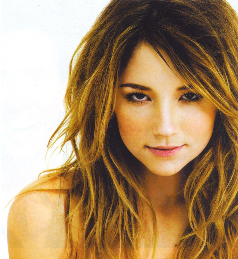 Gallery Beauty Wallpapers Haley Bennett Wallpaper Actress 812x886