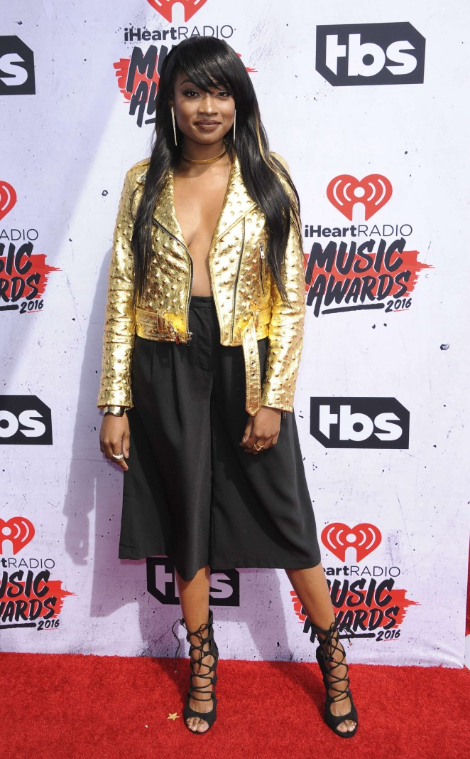 Kayla Brianna iHeartRadio Music Awards 2016  01   GotCeleb 662x1067