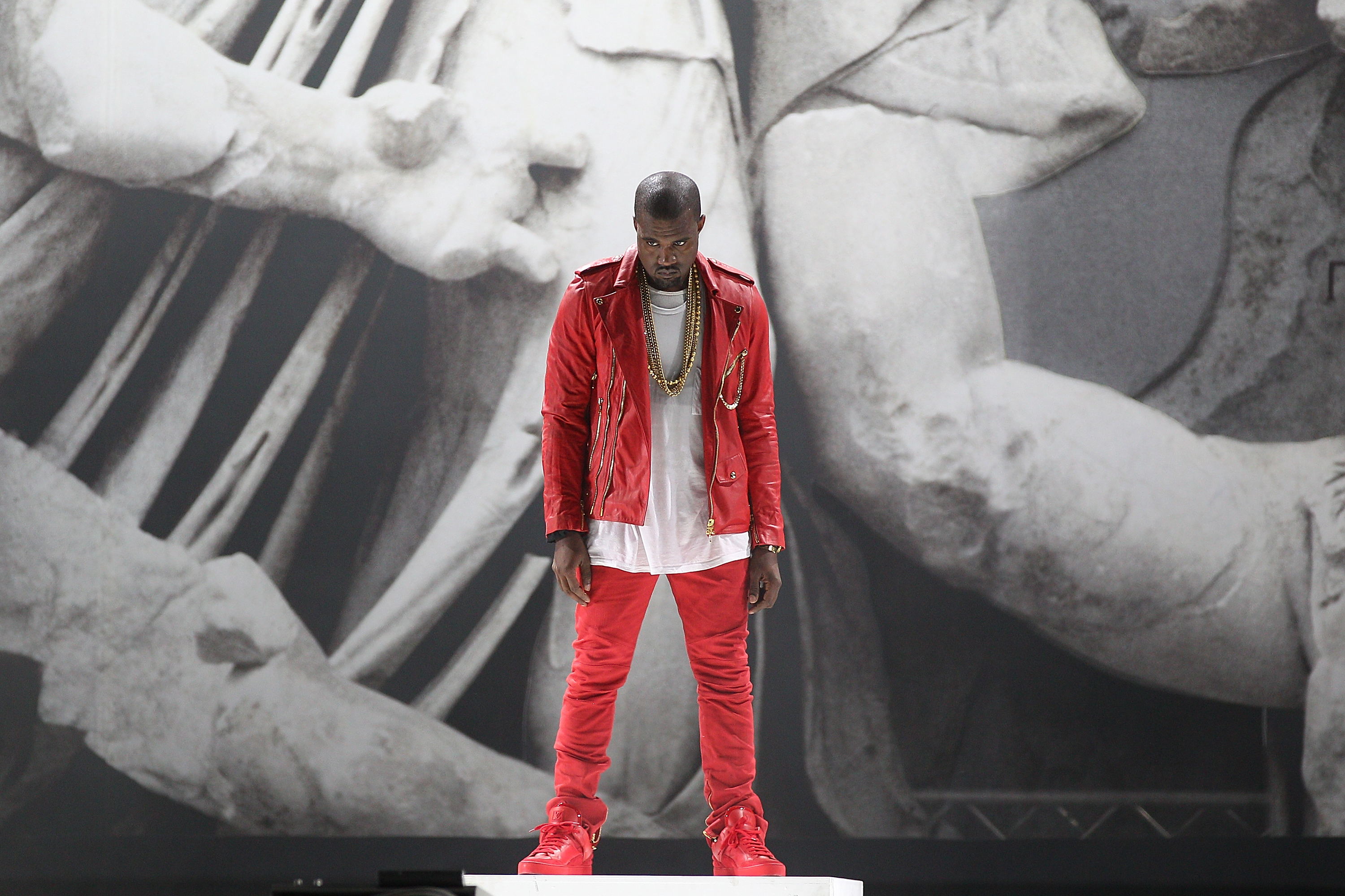 anyone have a cool yeezy wallpaper Kanye West Forum 3000x2000
