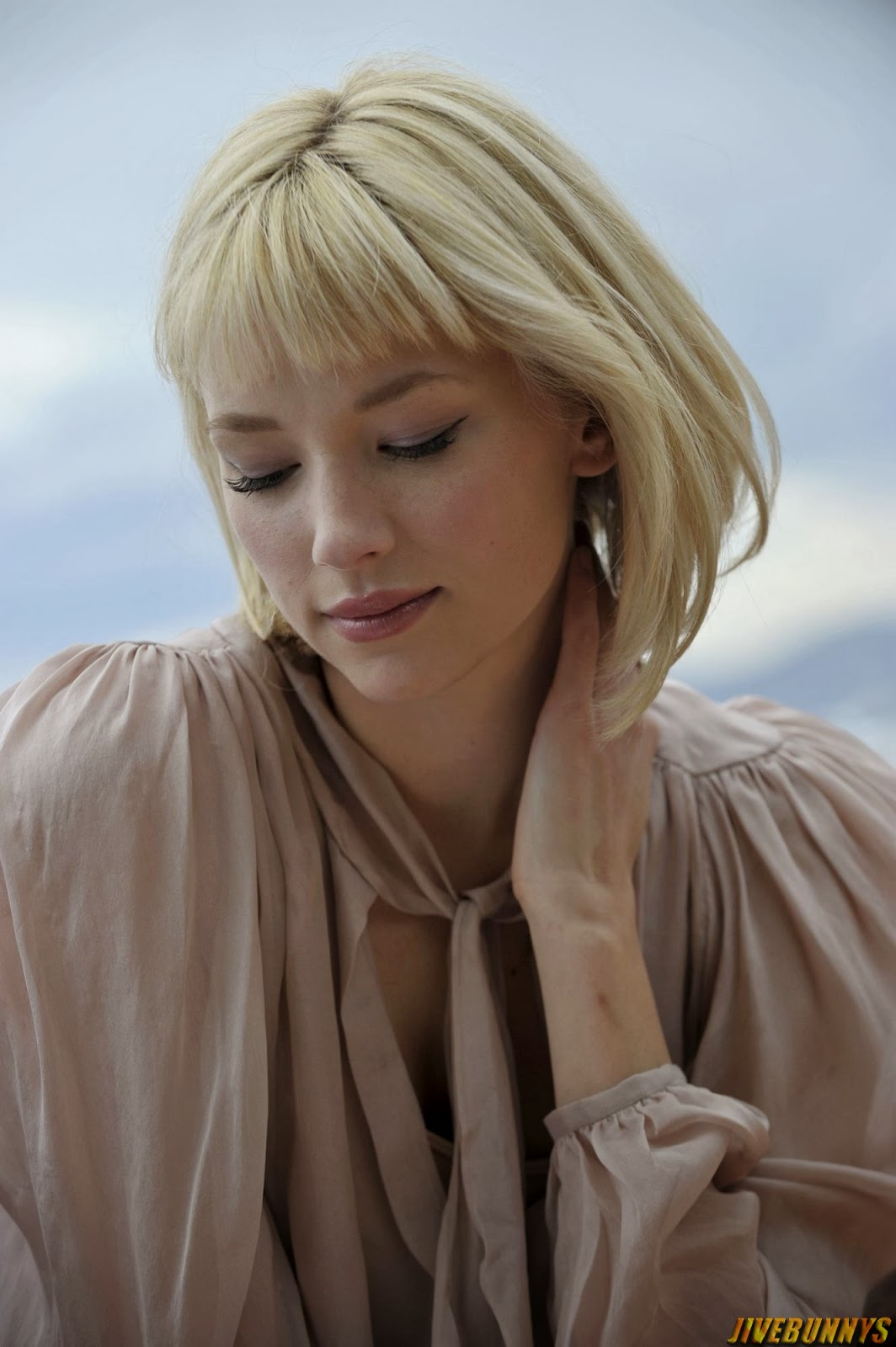 Haley Bennett Hot Actress Photos Gallery 1 1064x1600