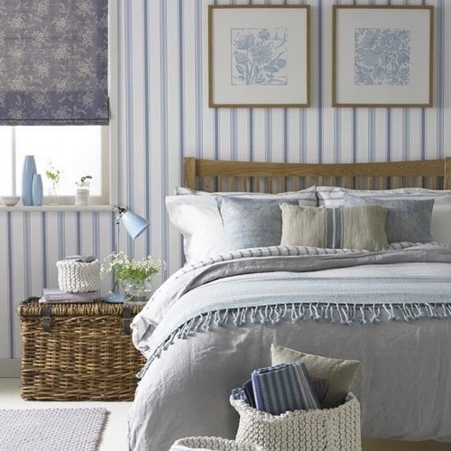 Free Download Blue And White Striped Wallpaper In Bedroom