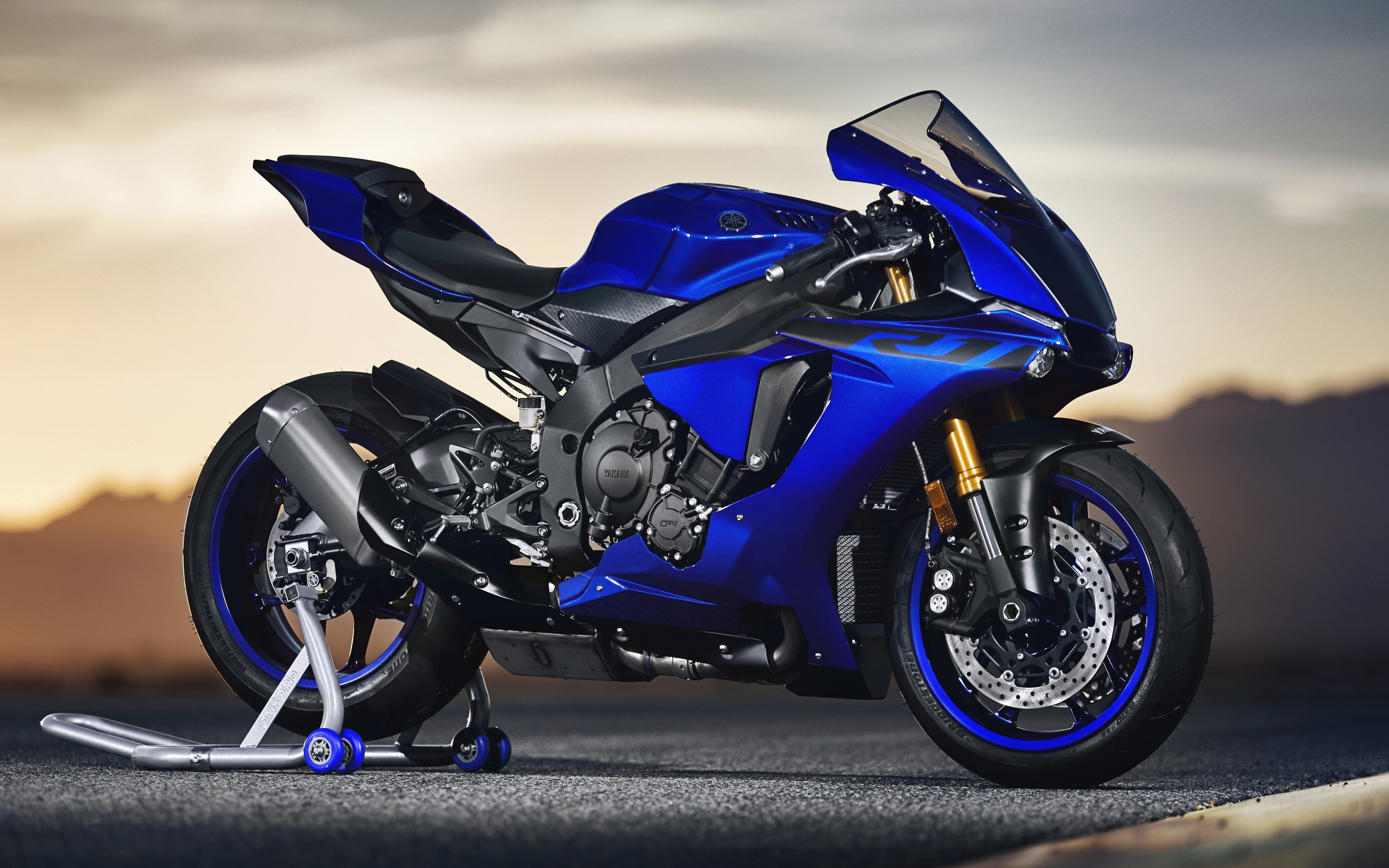 Download wallpapers Yamaha YZF R1 2019 blue sports bike new 2880x1800