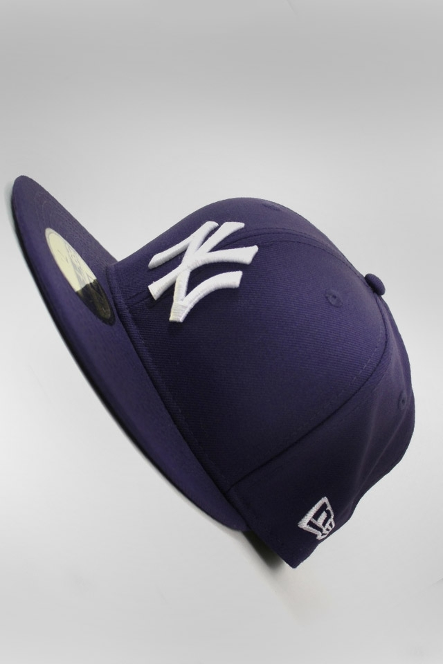 New York Yankees Hat HD Wallpaper for iphone 4iphone 4S 640x960
