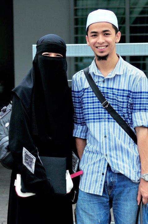 Muslimah Photos Girls and Women Hijab Photos IslamicArtDBcom 477x720
