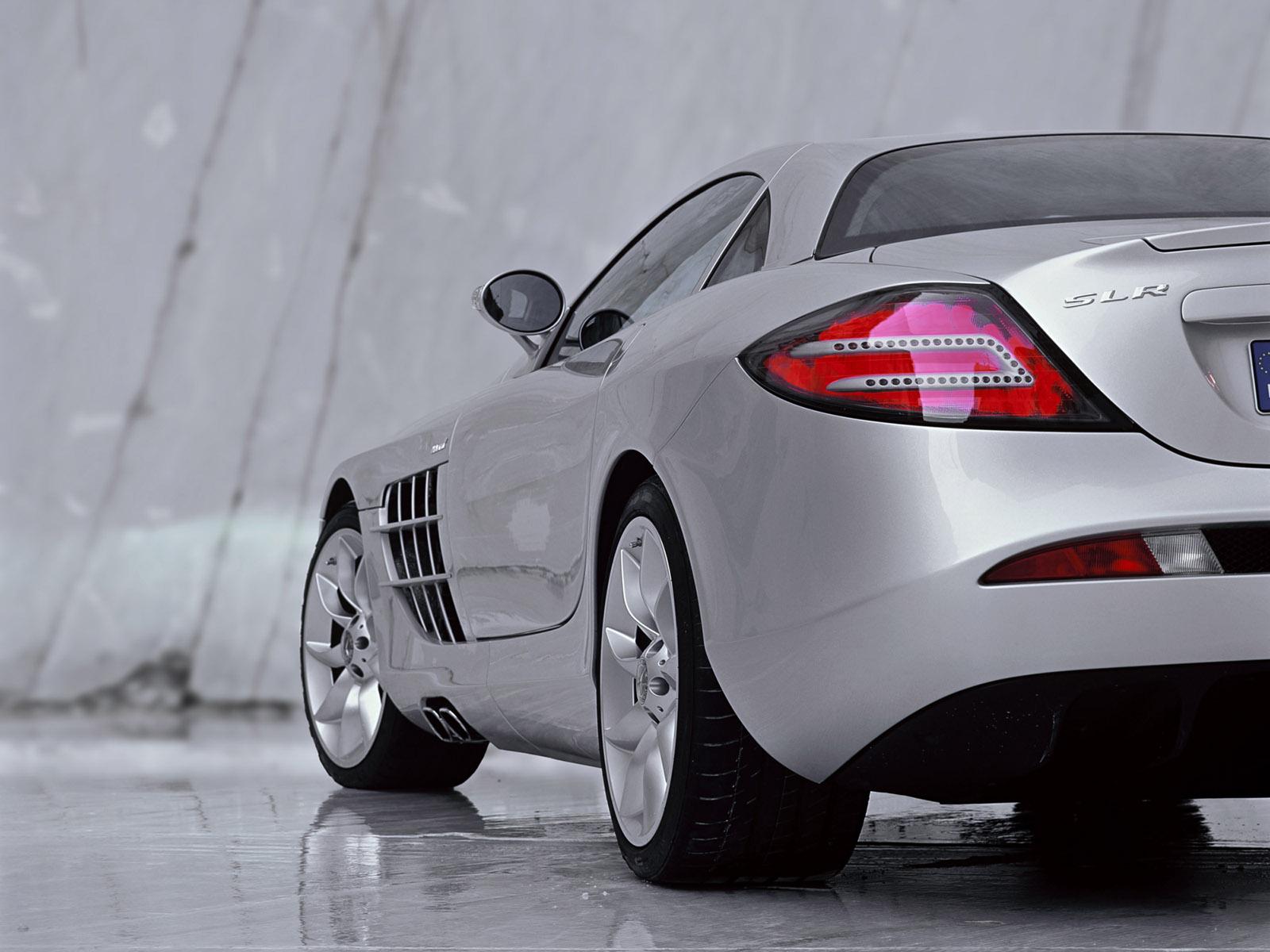 mercedes benz slr mclaren rear halfview 1600x1200 wallpaper - Mercedes Benz Slr Wallpaper Hd