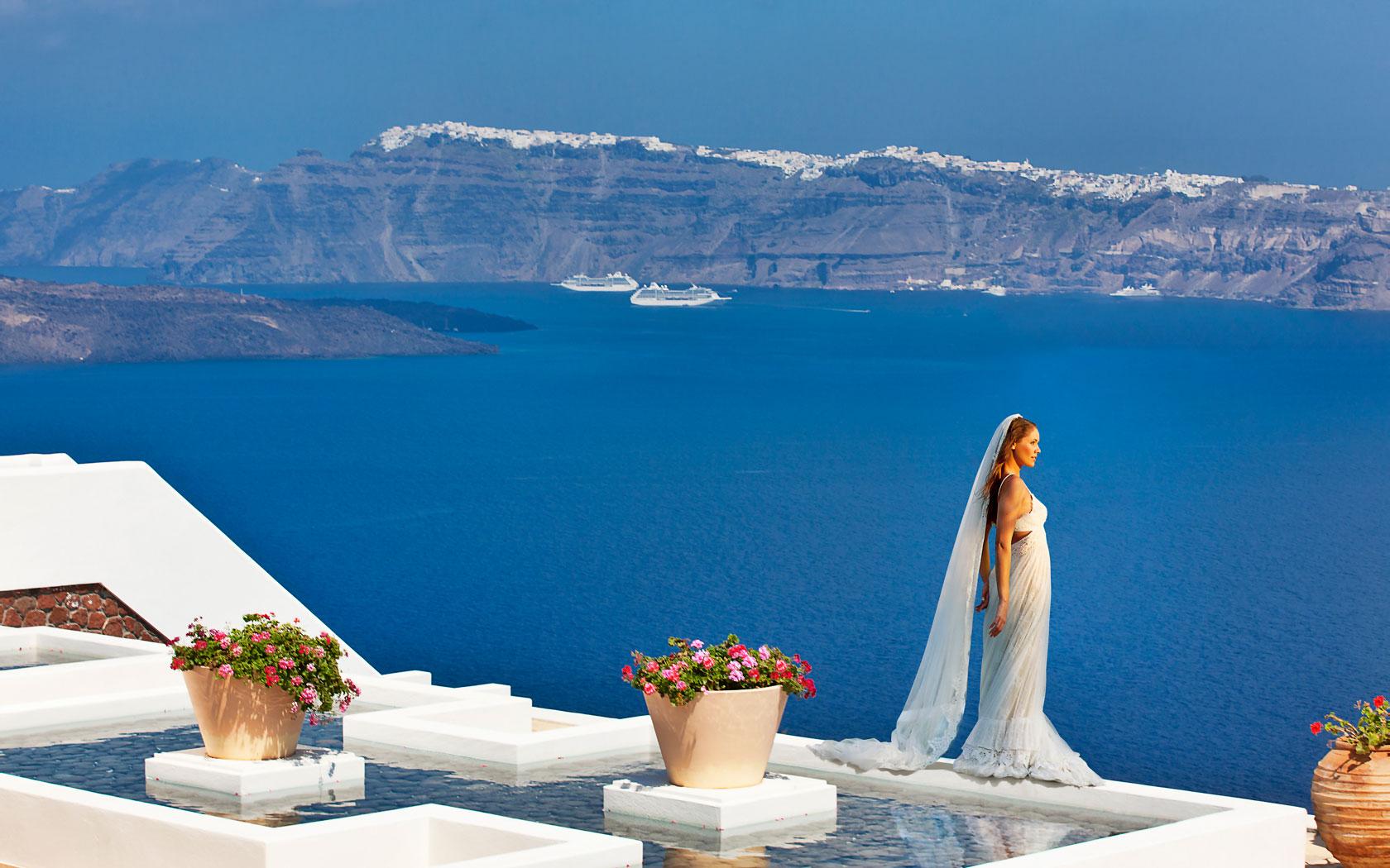 Santorini Hotels Maison Des Lys Suites Santorini Luxury Hotel Akrotiri 1680x1050