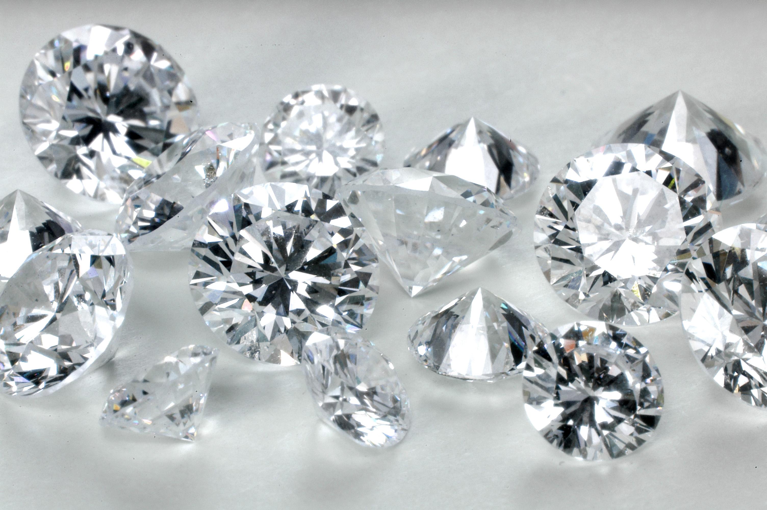 Precious Gemstones in Engagement Rings Impressive Magazine 3008x2000