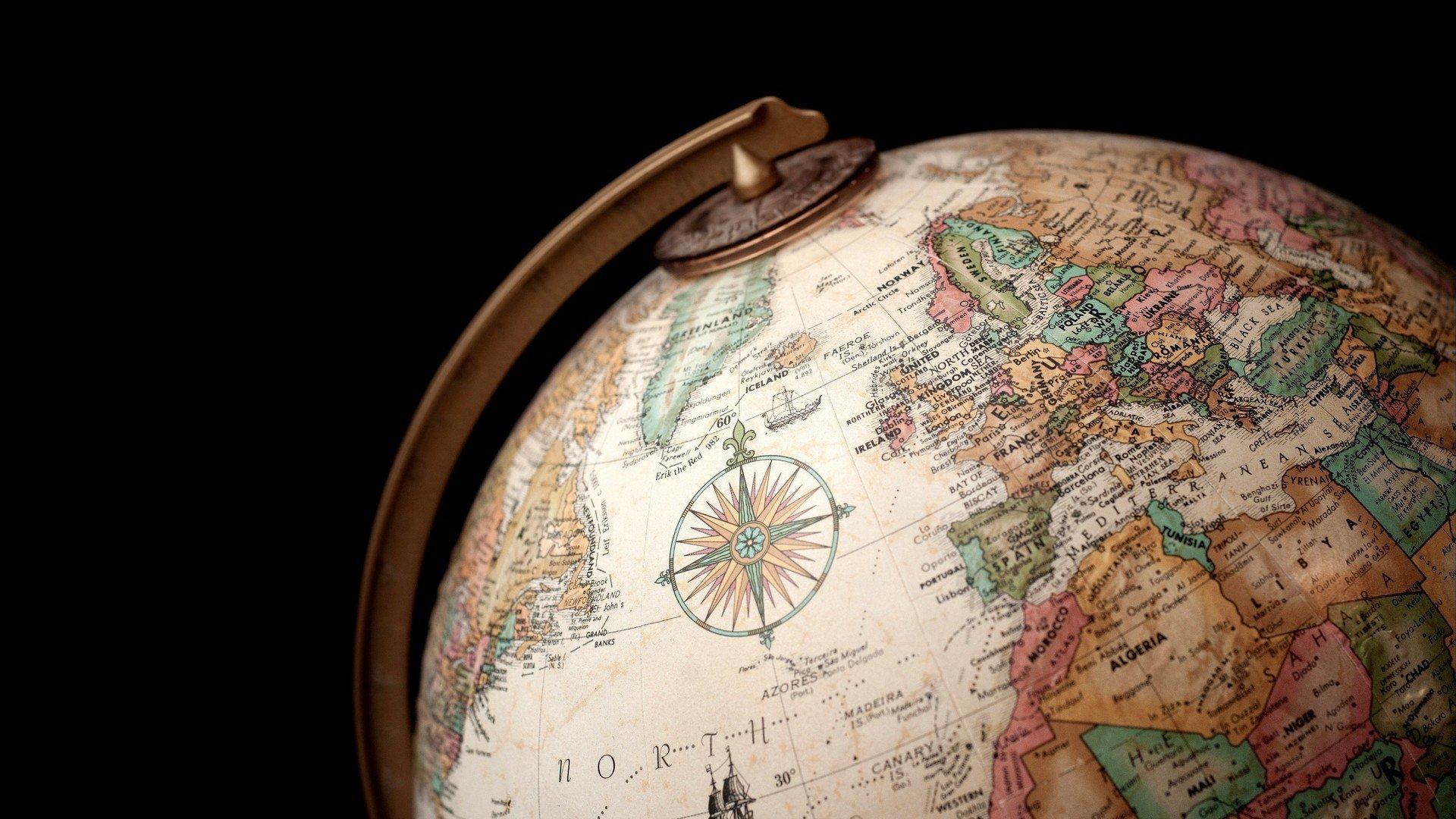 World map wallpaper flooded world map desktop wallpapers vladstudio good old world map wallpaper with world map wallpaper gumiabroncs Image collections