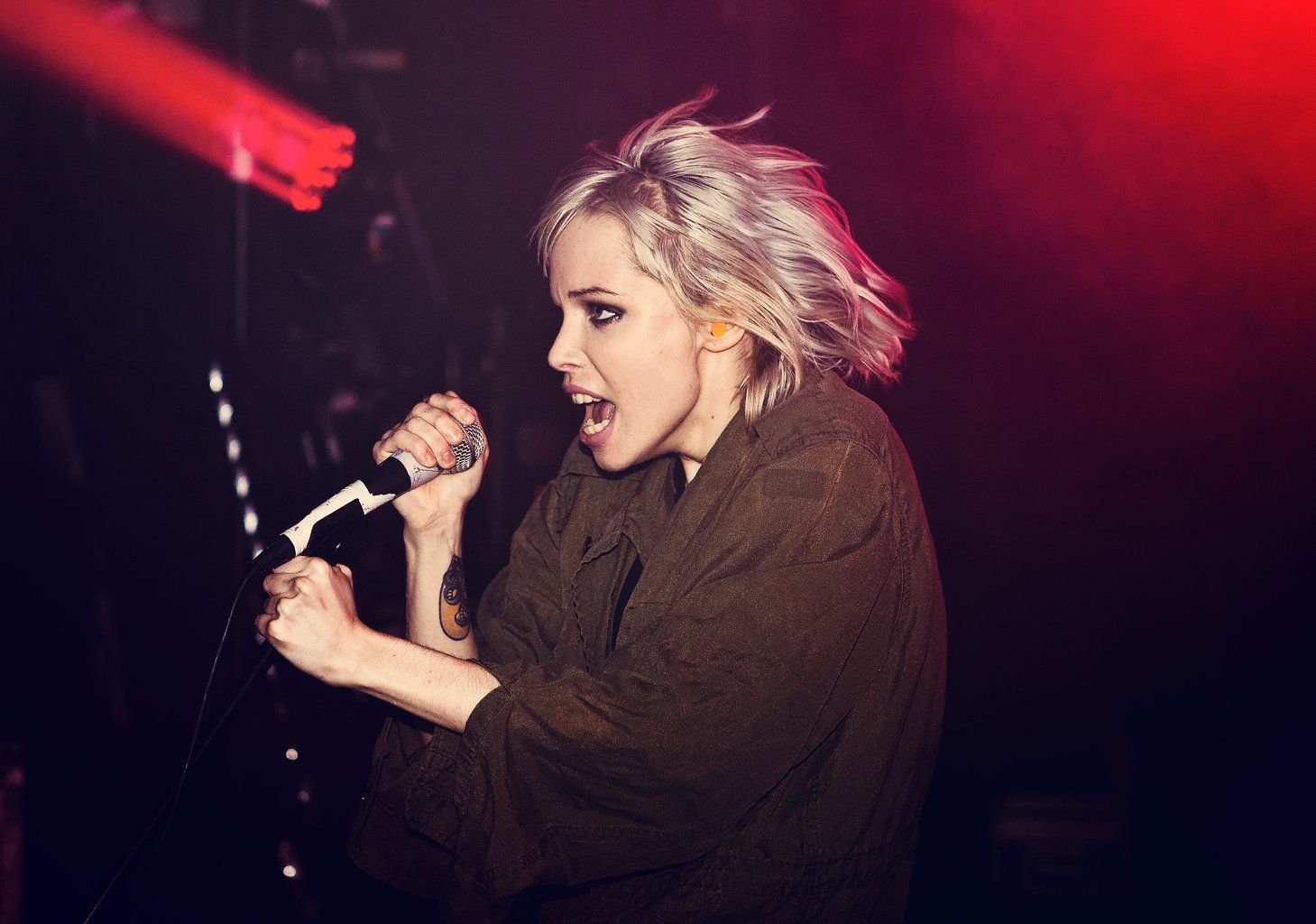 Alice Glass Wallpapers 1459x1024
