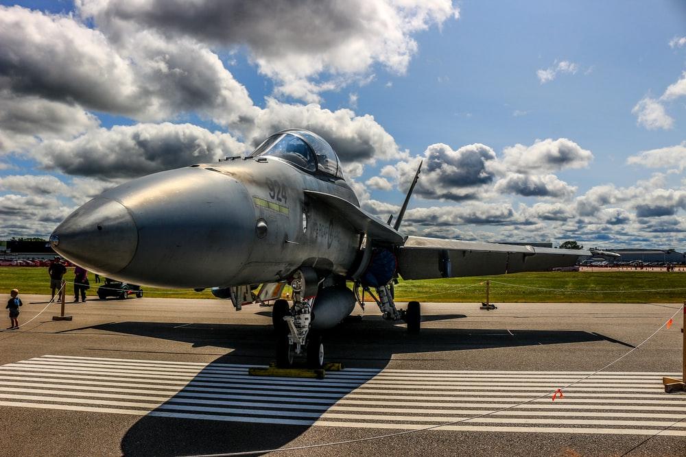 500 Fighter Jet Pictures Download Images on Unsplash 1000x667