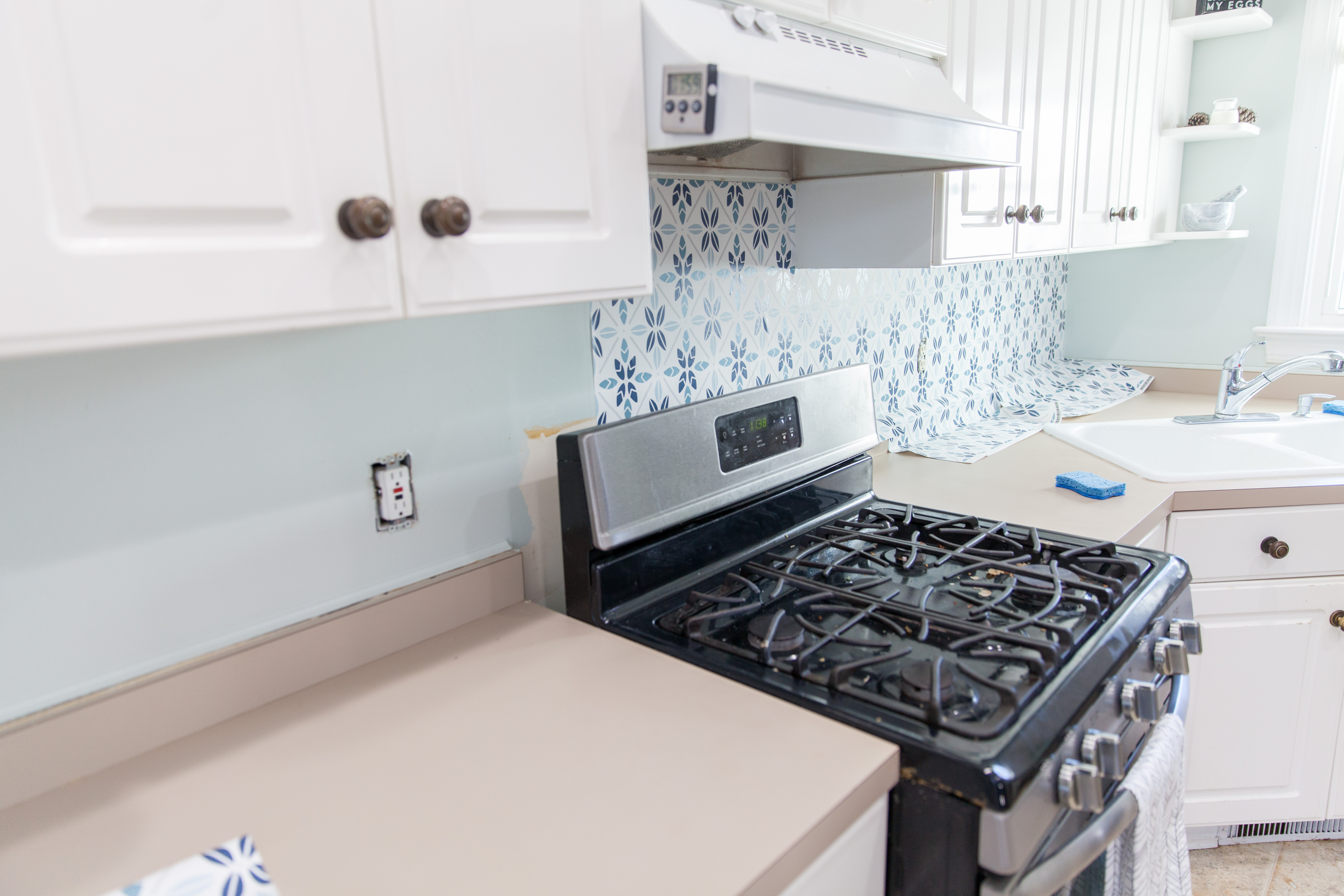 Easy Faux Tile Backsplash with Eco Friendly Wallpaper 5616x3744