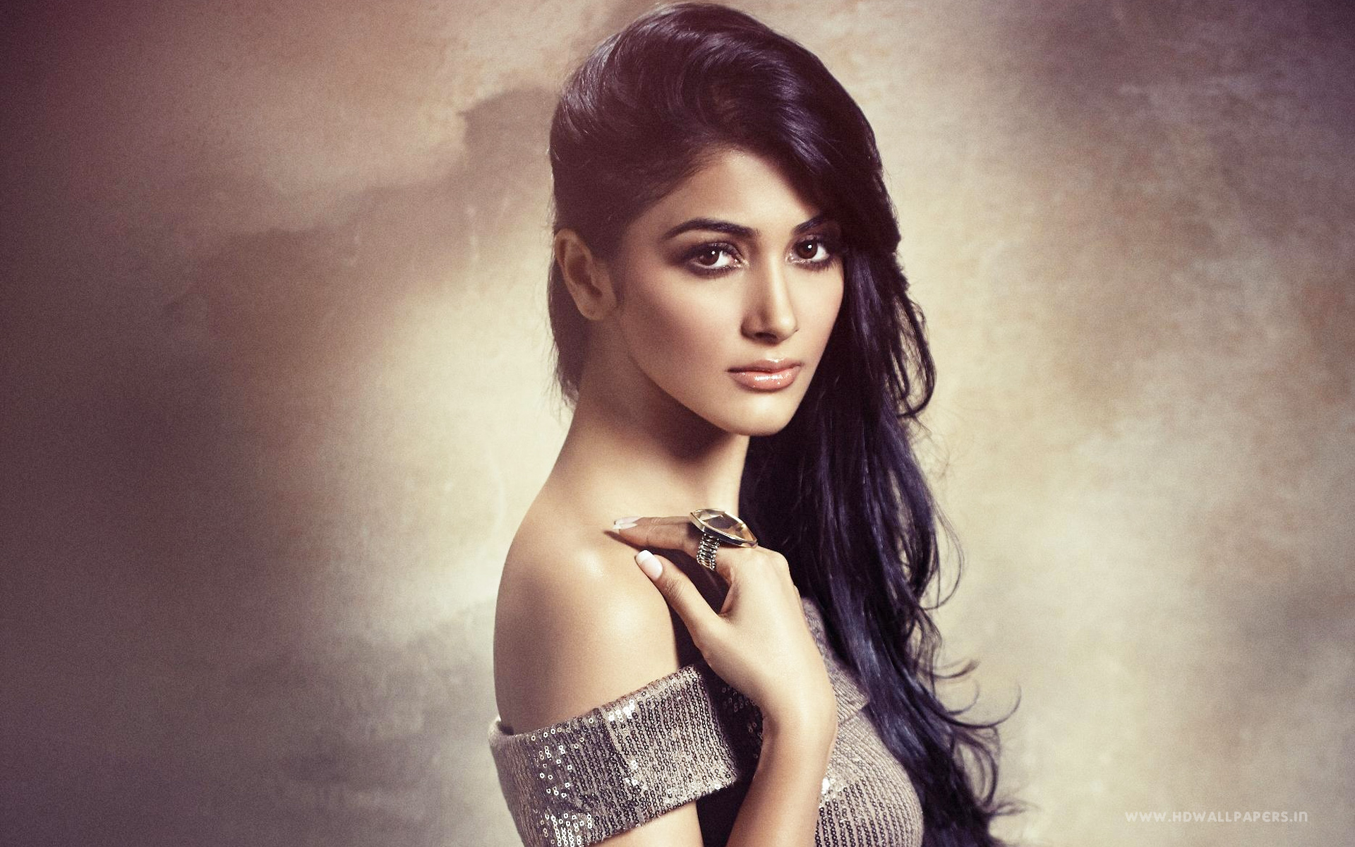 Pooja Hegde Bollywood Actress Wallpapers HD Wallpapers 1920x1200