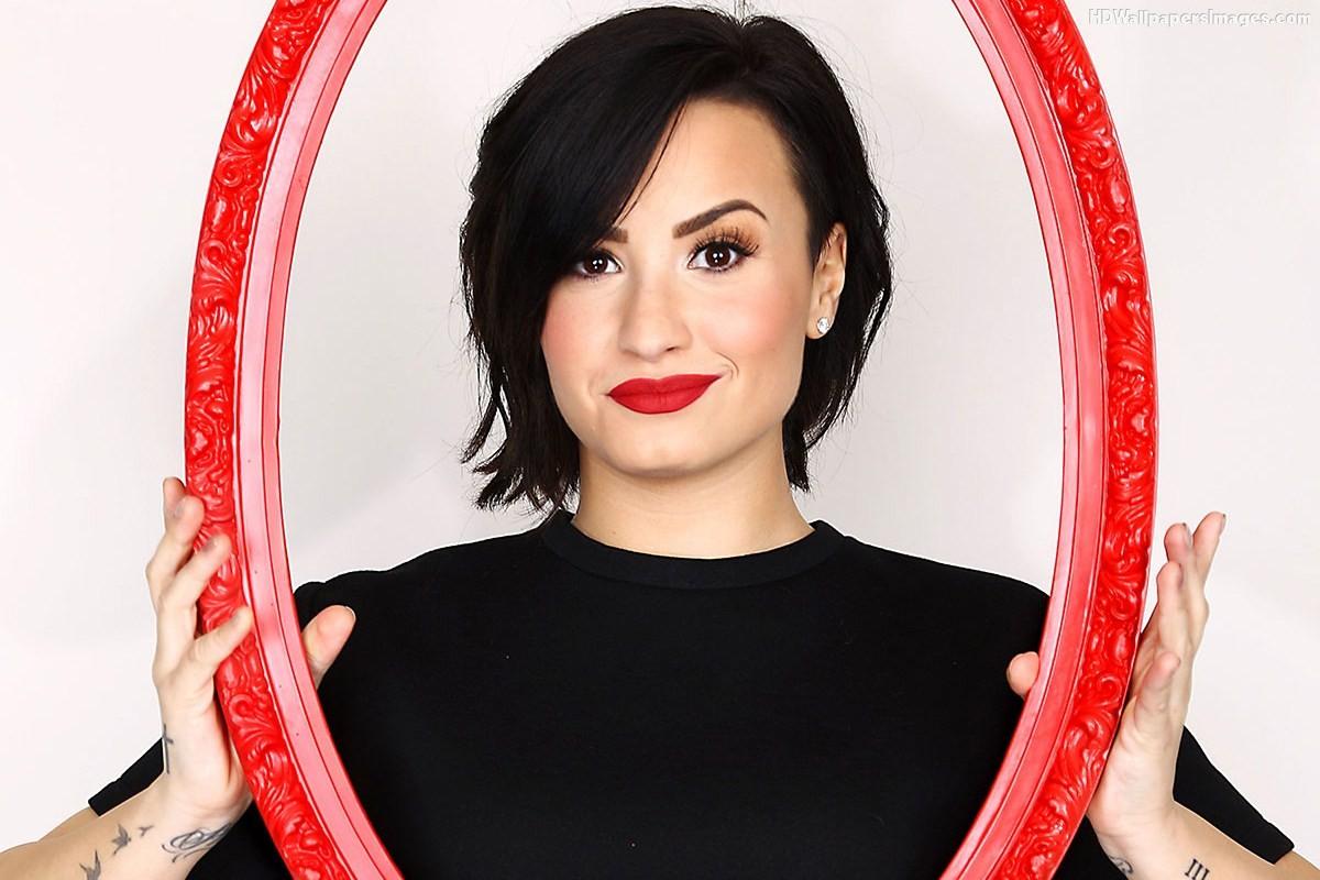 Demi Lovato Pretty Face Images 1200x800
