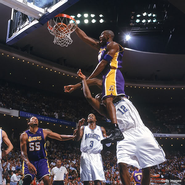 SICK Graphic of The Day Kobe Bryant Dunking On Dwight Howard Playing 600x600