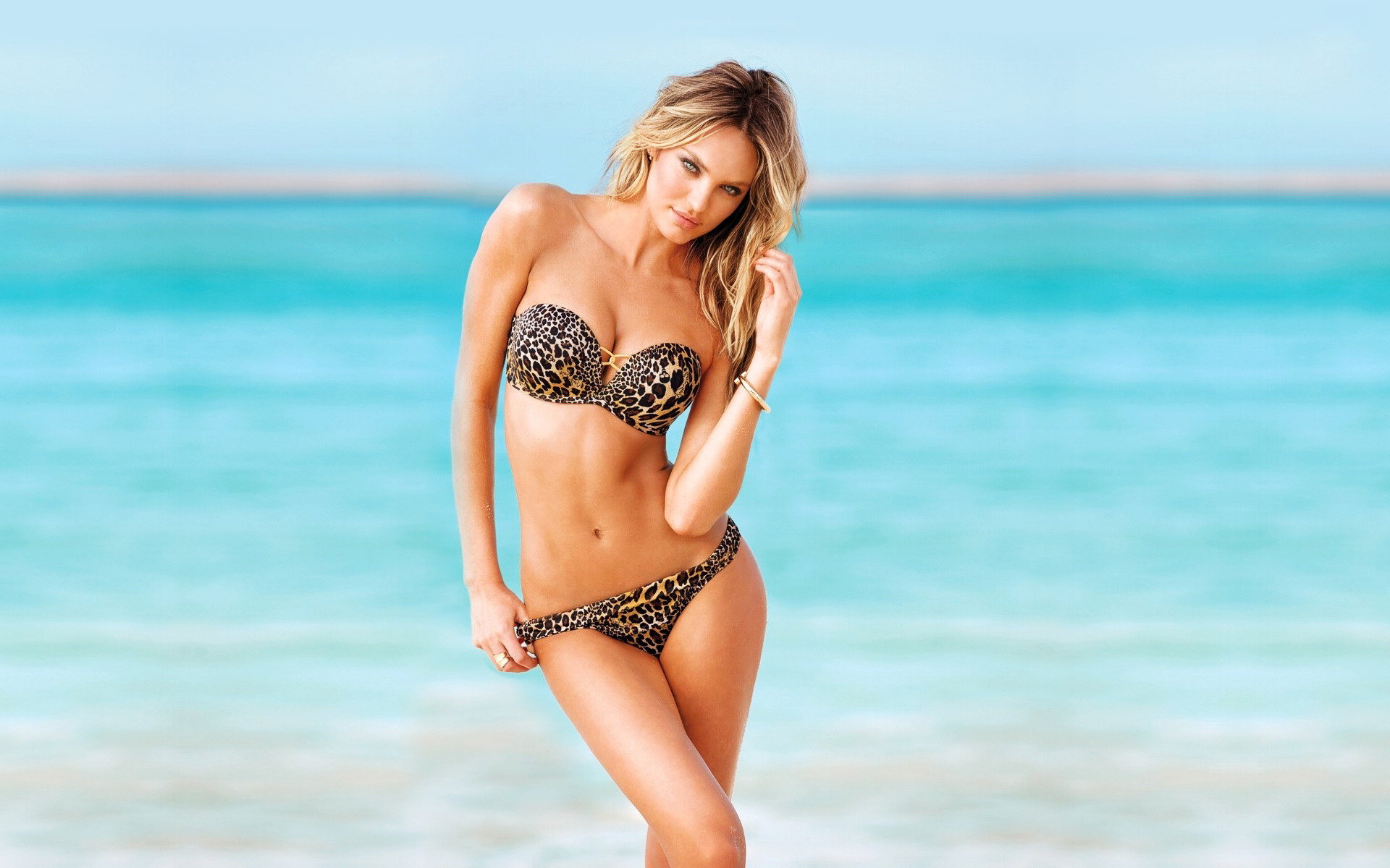 hot bikini model wallpapers