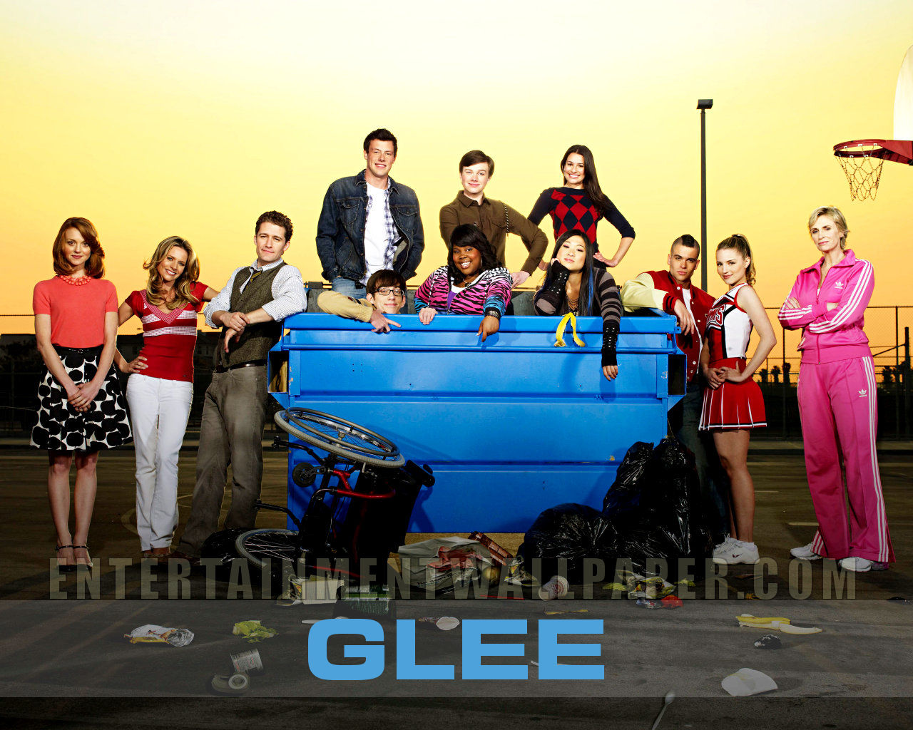 tv show glee wallpaper 20017636 size 1280x1024 more glee wallpaper 1280x1024