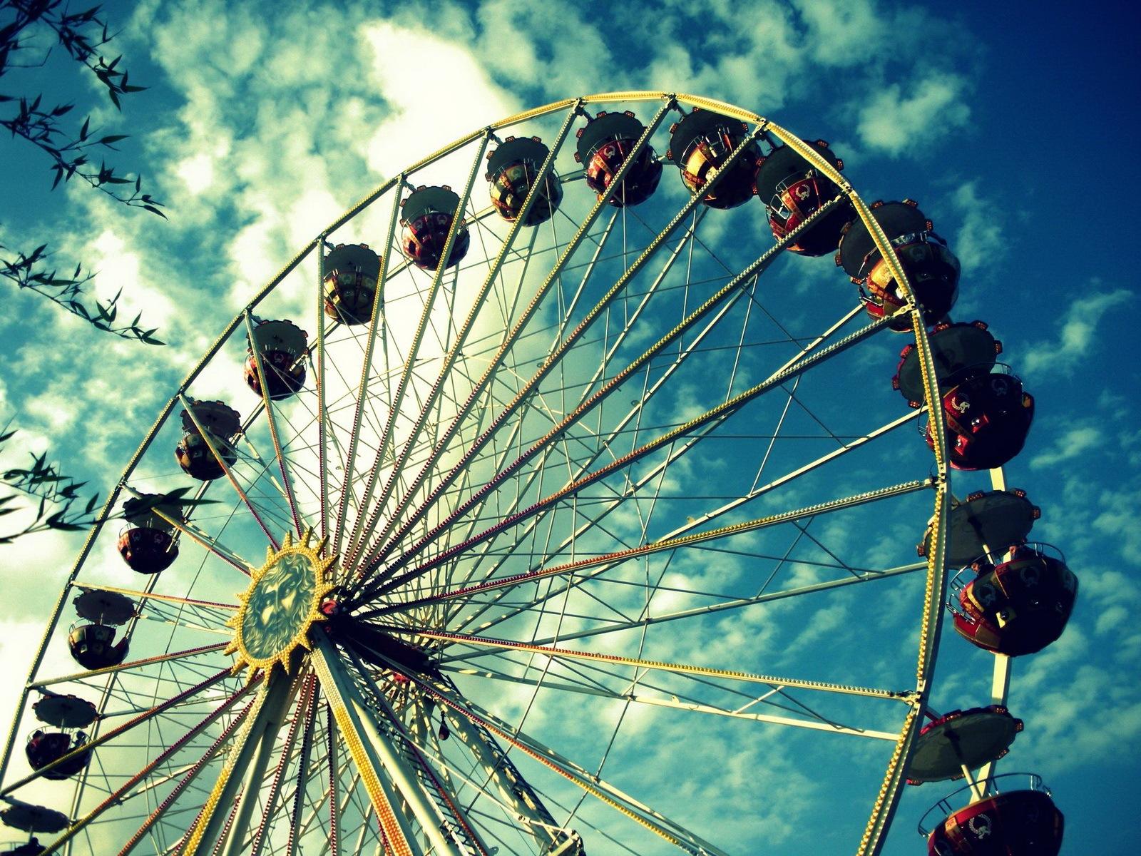 download big Ferris wheel wallpapers for desktop 1600x1200