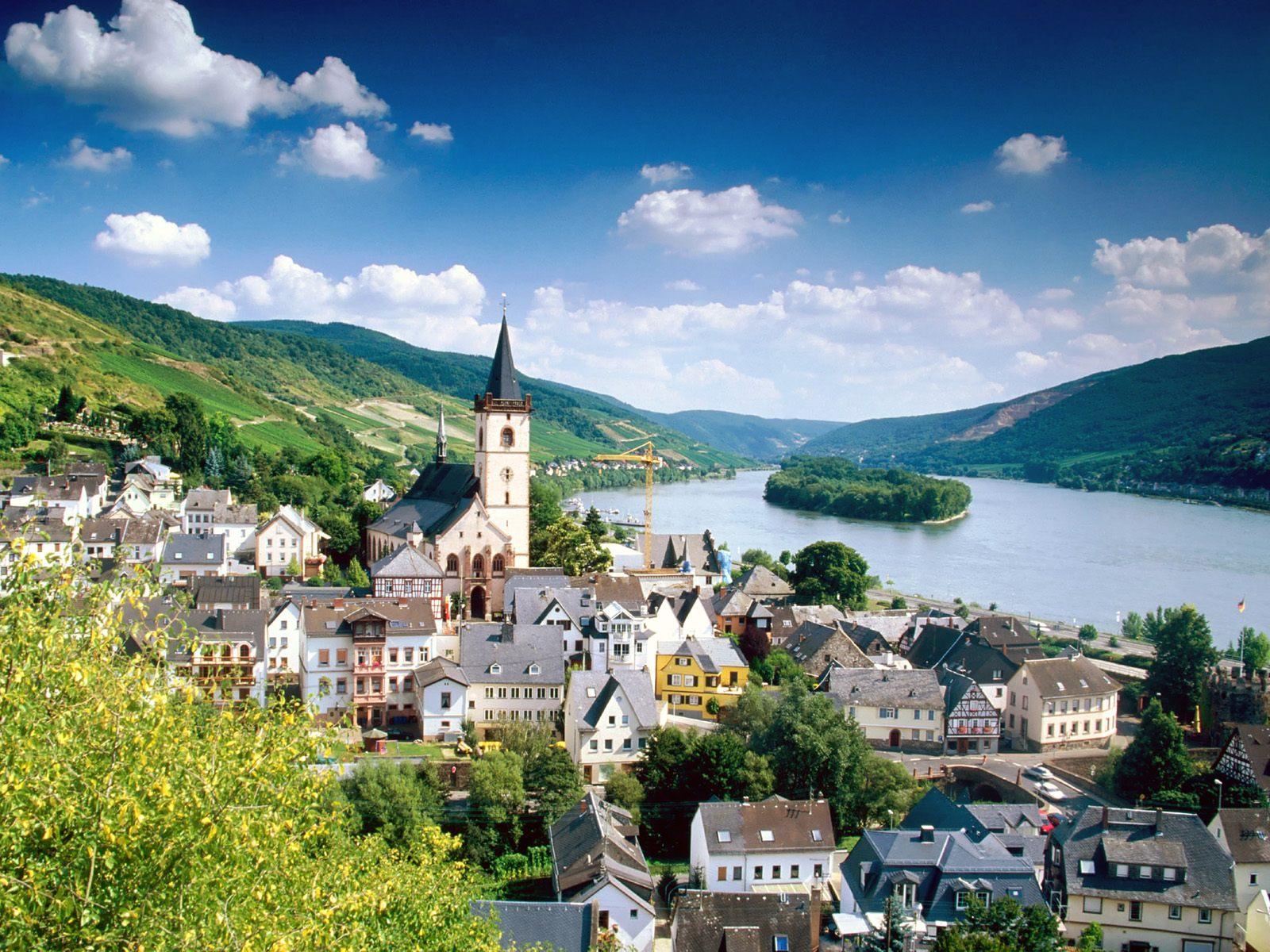 Lorch Village Hesse Rhine River Germany   Wallpaper 11704 1600x1200